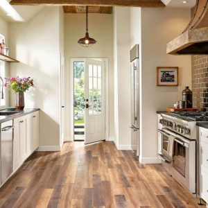 Hardwood kitchen | Elite Flooring and Interiors Inc