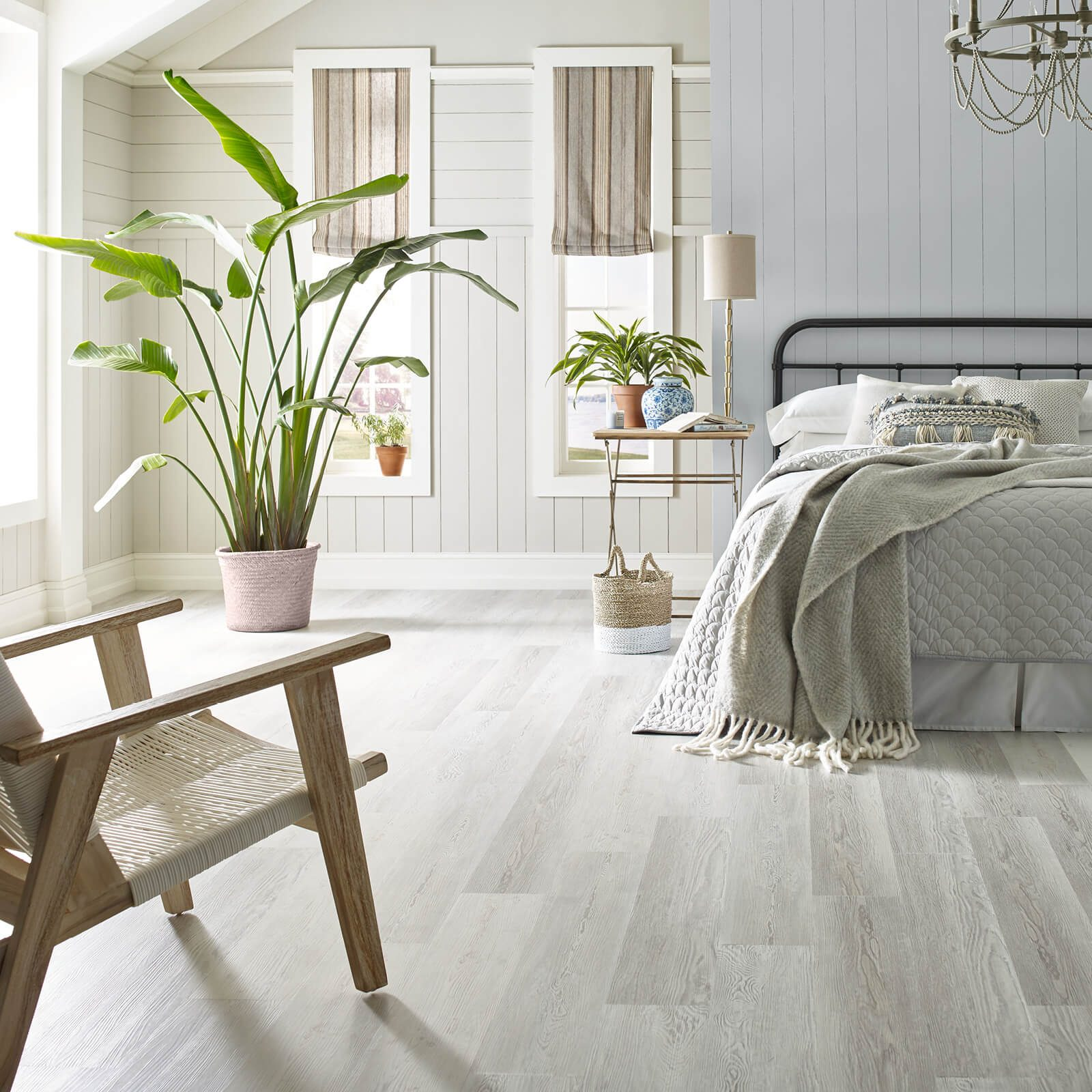 Bedroom flooring | Elite Flooring and Interiors Inc